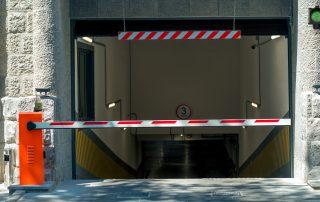 installazione centrale semaforica per parcheggio